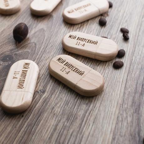 Флешка деревянная Gifter