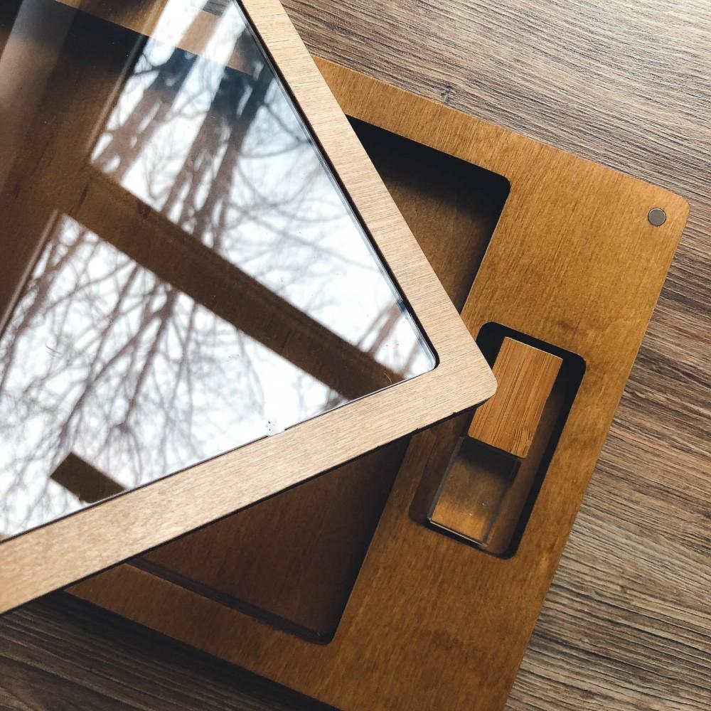 Коробочка Glass для фото 15х21 и флешки