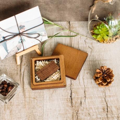 Коробочка деревянная  Joom Plus для флешки