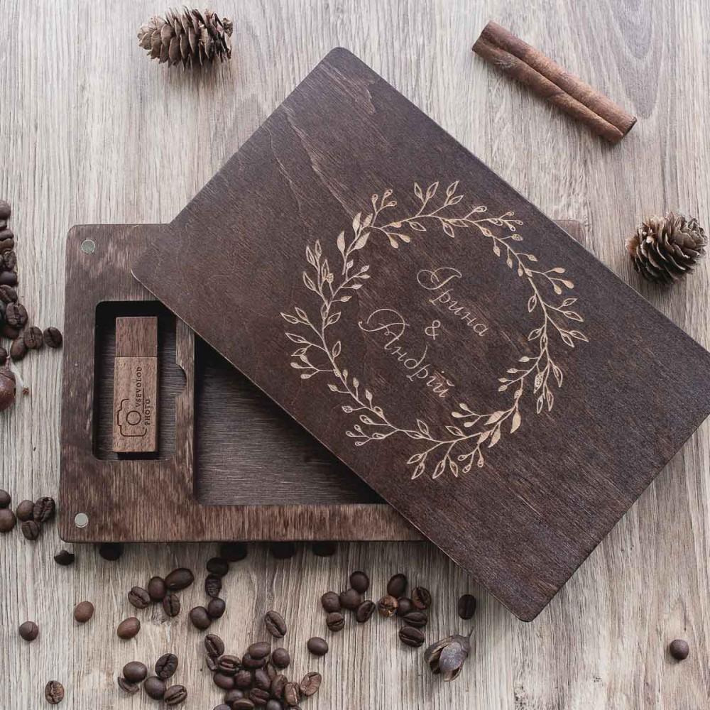 Коробочка деревянная Perfection для фото 10х15 и флешки
